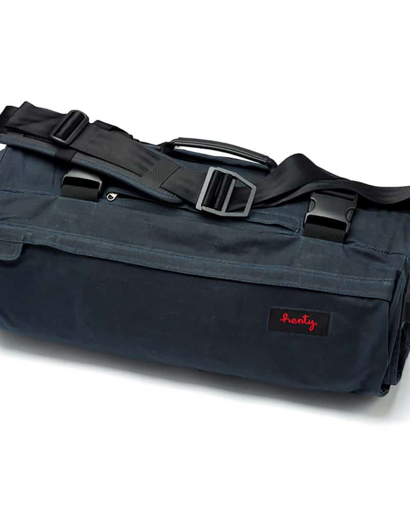 CoPilot Messenger Canvas (Limited Edition), in blue.
